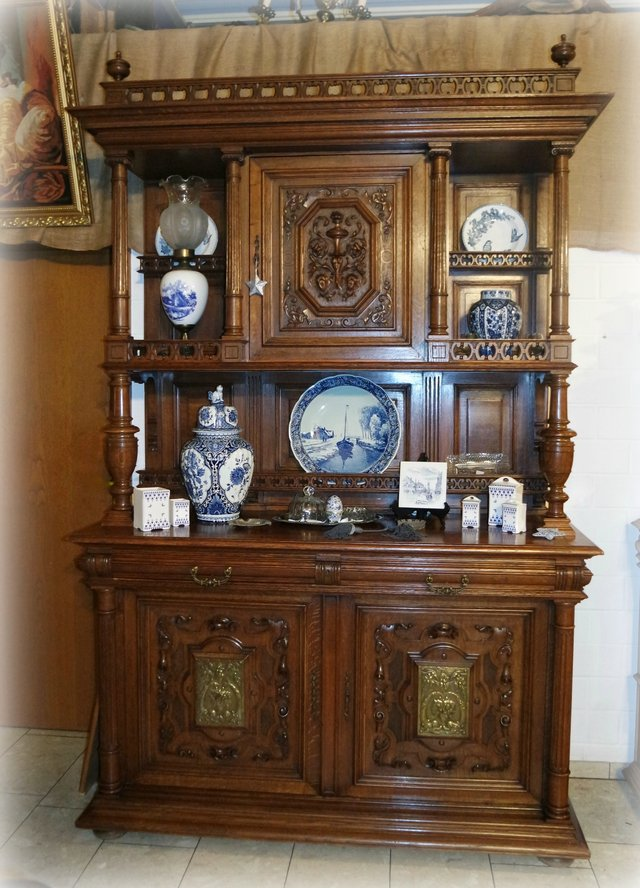 Gorgeous Antique Dining Room Hutch In Ramstein