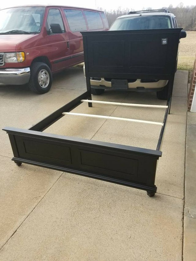 Simmons Queen Size Bed | Furniture: Home - by owner for ...