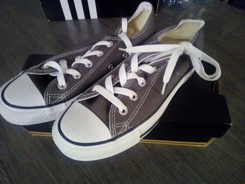 0108f1a2fd72b8 Converse size 4 mens size 6 womens never worn new shoes