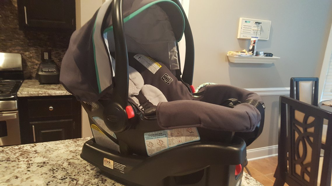 Graco Infant Car Seat With 2 Bases In Warner Robins