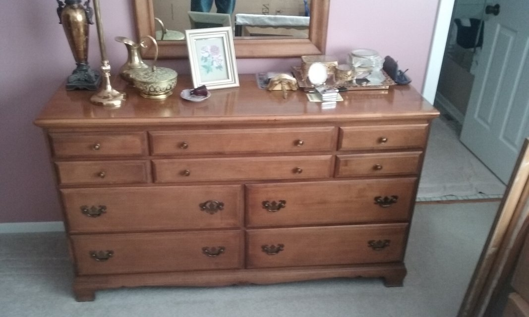 Hard Rock Maple Bedroom Set 6 Peices