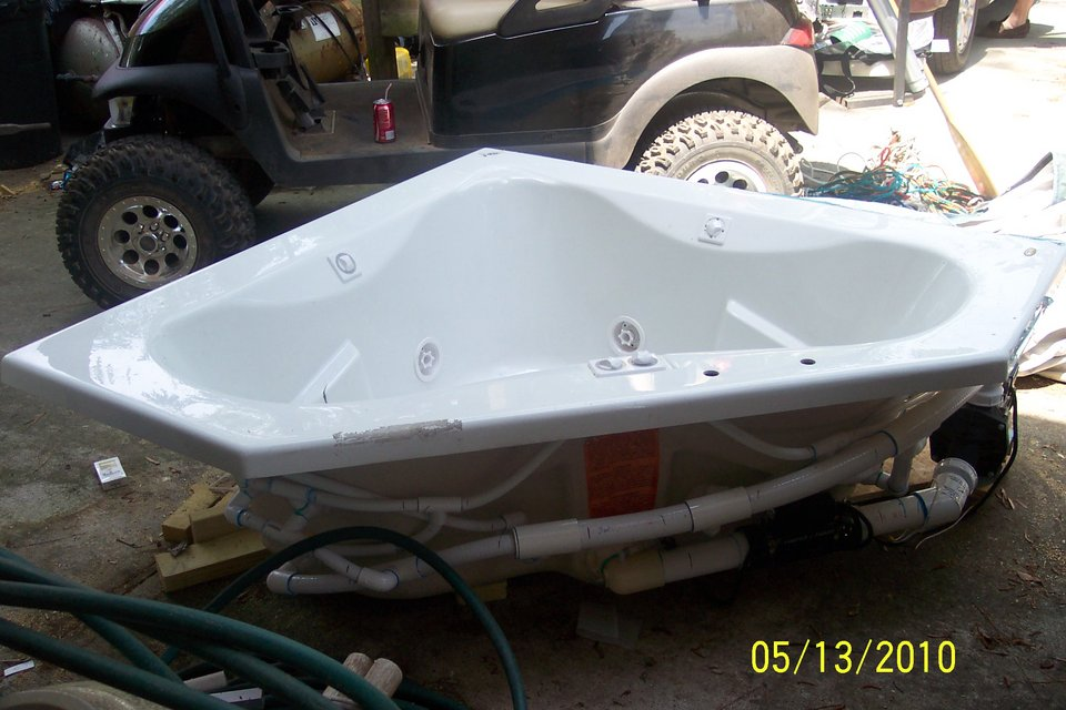 Jacuzzi Jet Tub | Appliances for sale on Beaufort bookoo!