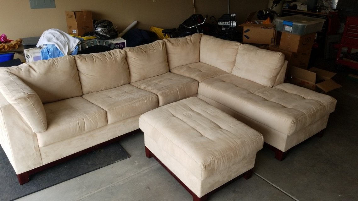 Huge Sectional With Ottoman In Alamogordo