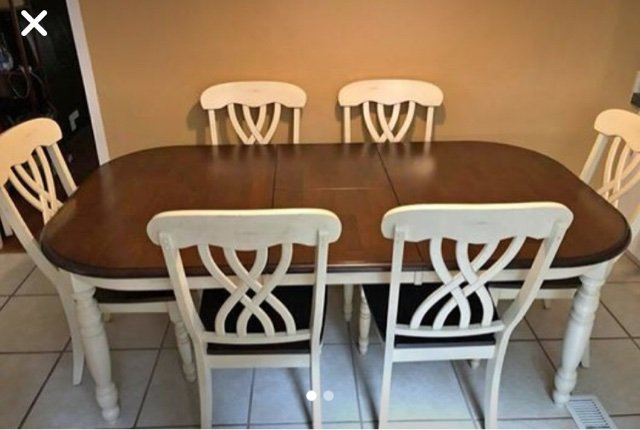 Charmant Table And Chairs In Warner Robins